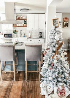 See how we renovated our kitchen to an open concept farmhouse inspired kitchen! Open Concept Home, Open Concept Kitchen, Simple Living Room, Living Room Kitchen, Modern Farmhouse Kitchens, Farmhouse Decor, Diy Kitchen Decor, Modern Kitchen Design, Kitchen Remodel