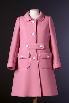 Courrèges Coat - 1967 Musée du Costume et de la Dentelle :Mode au XXe siècle