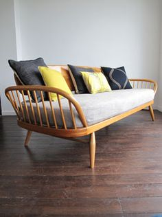 This exact daybed on back porch! Daybed, designed and manufactured by Lucian Ercolani for Ercol, circa, Superb example of British post war modern design. Restored by Chairs + Skyscrapers Ercol Furniture, Retro Furniture, Home Furniture, Furniture Design, Ercol Sofa, Daybed Couch, Futuristic Furniture, Home And Living, Living Room