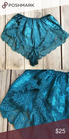 Forest green Oscar De La Renta Lingerie Bottoms Such a beautiful color & in perfect condition. Washed & sanitized. You'll feel beautiful in these 😍 it's in between a emerald green & forest green color. It's a bit darker in person . Tagged a size 6 will fit anywhere between a M/L Oscar de la Renta Intimates & Sleepwear Panties