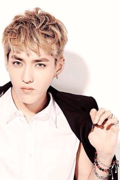 Kris - EXO Oppa!!!  Focus on restoring your health!  May you live a healthy and happy life!  We will miss you!