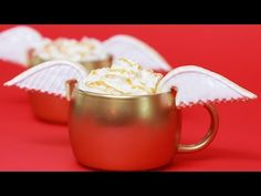 ▶ GOLDEN SNITCH CARAMEL APPLE CIDER - NERDY NUMMIES - YouTube For all the Harry Potter geeks out there.