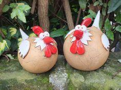 Deko-Objekte - SET Gartenkeramik Skulptur Huhn Vogel Henne Hahn - ein Designerstück von Terra-Cottage bei DaWanda