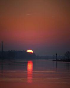 Water Lighting, Celestial, Sunset, Outdoor, Outdoors, Sunsets, Outdoor Games, The Great Outdoors, The Sunset
