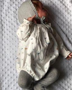Empezamos 2018 con modelos para chico. Camisa continuada. Hoy combinado con gris. Tú eliges la talla el color de la lana y el modelo y pompom te lo hace. Encargos por privado y en el 609736385. Enviamos ✈️ a todo el