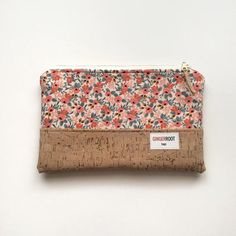 9db8e8d7737c Ginger Root Bags Clutches · Cork clutch - Handmade - Materials: cotton  fabric, cork leather, metal zipper,