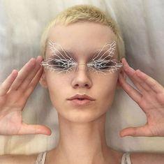 Diy Fashion, Fashion Design, Photo Reference, Aesthetic Fashion, Eyewear, Beautiful People, Steampunk, Wings, Shapes