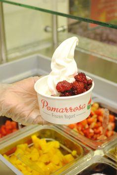 Pomarrosa es diferente por su sabor, por ser natural y fresco. Frozen Yogurt, Chocolate Fondue, Fresco, Natural, Desserts, Food, Tailgate Desserts, Fresh, Deserts