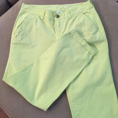 Old navy ankle pants. Yellowish green color Never worn. Old Navy Pants Ankle & Cropped