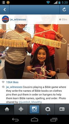 Put Bible books in order, which are written onto clothespins.