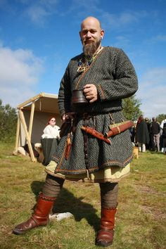 Lofoten - inspiration for Steve's garb Viking Garb, Viking Reenactment, Viking Men, Viking Dress, Viking Costume, Viking Warrior, Medieval Costume, Norse Clothing, Medieval Clothing