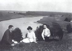 Scriabin, Tatiana Schloezer and Leonid Sabaneev on the banks of the Oka River. -  Scriabin completed his 2 preludes, op. 67 in 1913. Both are quite out of line with the rest of his compositions. It has been suggested that during the last years of his life, Scriabin showed signs of sporadically leaving his mystical fixation, and quite clearly these preludes are not colossal nor pretentious, but rather the result of a deep and thorough understanding of the history of piano literature.