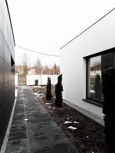 Third House from the Sun Le 2 Workshop www.le2.pl