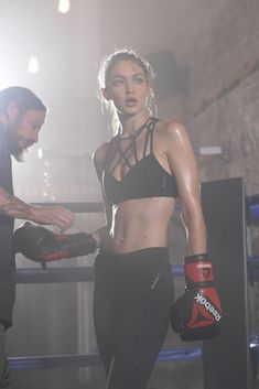 Gigi Hadid for Reebok: Gigi& sports program strengthens something much more important than your muscles! - Gigi Hadid for Reebok - Sport Fitness, Moda Fitness, Fitness Workouts, Fitness Models, Fitness Motivation, Female Fitness, Training Motivation, Sport Motivation, Boxing For Fitness