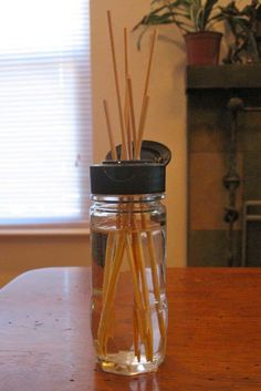 Quick, Homemade Spaghetti Sauce Brown Thumb Mama: Quick Homemade Reed Diffuser **using a old spice bottle*** Homemade Reed Diffuser, Reed Diffuser Oil, Ana White, Potpourri, Homemade Spaghetti Sauce, Homemade Ranch Dressing, Spice Bottles, Old Spice, Air Freshener
