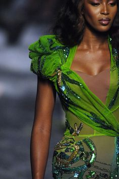 Naomi Campbell at Christian Dior Haute Couture, Fall/Winter 2005 Detail