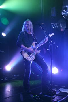 Jerry Cantrell, Skate Surf, Alice In Chains, Wonderland, Surfing, Concert, Legends, Alternative, Bear