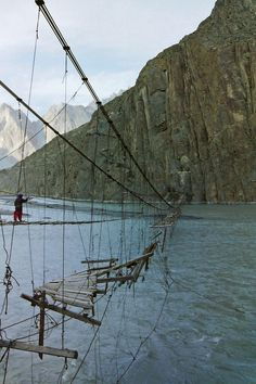 Indus in Hunza Valley, Pakistan Please tell me people don't really use this bridge!