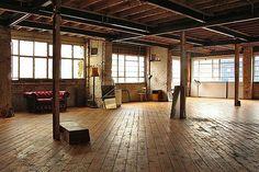Warehouse living, warehouse apartment, warehouse loft, studio apartment, co Warehouse Apartment, Warehouse Living, Warehouse Home, Studio Apartment, Loft Studio, Dream Studio, Future House, My House, Urban Loft