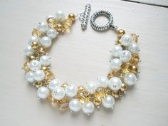 Bridesmaid pearl cluster bracelet - two sizes of  beads in two colors, pearl & crystal  #handmade #jewelry #beading
