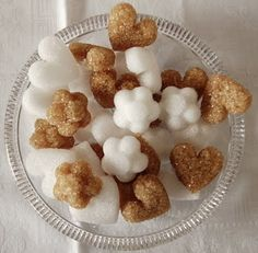 DIY sugar cubes in cute shapes! Maybe for a little girl's bday party? Or a baby shower tea?