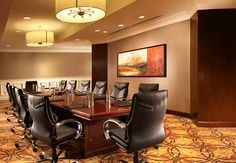 Few meeting rooms exude the luxury and executive space featured in our premier Veranda Boardroom. This deluxe meeting room offers its own entrance foyer and private salon area with serving buffet, all overlooking Sugar Land's historic Town Square Plaza.