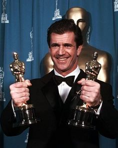 """Mel Gibson holds his two Oscars for """"Braveheart"""" at the Annual Academy Awards in Los Angeles, Monday, March He won for Best Director and Best Film. Academy Award Winners, Oscar Winners, Academy Awards, Oscar Academy, Hollywood Icons, Hollywood Stars, Classic Hollywood, Mel Gibson, Best Actress"""