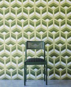 Behang Gaston y Daniela Xabi- Hispania Collectie  Het behang Gaton y Daniela Xabiheeft een uitgesproken geometrisch patroon, geïnspireerd op de jaren 60. In 4 verschillende Italiaanse kleurstel...