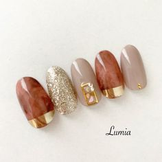 夏/秋/オールシーズン/ハンド/ラメ - lumiaのネイルデザイン[No.4568710]|ネイルブック Shiny Nails, Funky Nails, Love Nails, Trendy Nails, Nail Art Designs Videos, Diy Nail Designs, Classy Nails, Simple Nails, Square Oval Nails