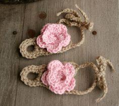 pinterest crochet baby items | Crochet stuff / Over-the-toe crochet baby sandal