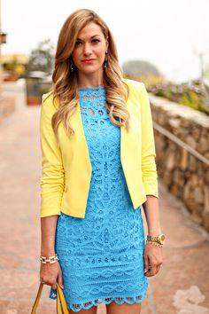 ~The notch at the waist on the jacket creates an hourglass, and gives a shapeless sheath shape.