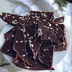 Day 13! Anyone else in love with @barkthins ? My girlfriend @olivebell totally suggested I make my own and so I did. SO easy and equally as amazing! Link on profile for recipe and I'll add her later as always (just out of town). You can see the difference combos but our favourite is sea salt and pumpkin seeds!    #Regram via @BcnEjrLnxqZ Vegan Treats, Sea Salt, Deserts, Seeds, Pumpkin, Profile, Dishes, Canning, Breakfast