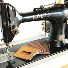 passcase & LAULS  #革もの工房tickle #leather #leathercraft #handmade #passcase #sewingmachine #LAULS #革小物 by tickle_taka