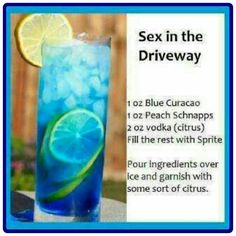 1 oz blue curaçao, 1 oz peach schnapps, 2 oz citrus vodka, fill rest of glass with sprite and garnish with citrus slice. Cocktail Vodka, Cocktail Night, Citrus Vodka, Vodka Blue, Peach Vodka, Party Hard, Alcohol Drink Recipes, Yummy Alcohol, Party Drinks Alcohol
