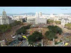 La plaça de Catalunya s'omple com un formiguer, en un vídeo timelapse aeri - vilaweb.cat, 19.10.2014. Un timelapse d'Albert Claret (GigaPhoto Agency) de l'acte central de la campanya 'Ara és l'hora' de l'ANC i Òmnium mostra com la plaça de Catalunya de Barcelona s'ha omplert com un formiguer. El vídeo ensenya la plaça buida a primera hora fins que s'ha omplert a vessar a l'hora de l'acte en tan sols 16 segons.