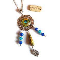 Collier sautoir cabochon paon - perle en papier artisanale - ruban - perles en verre - plumes de paon - bleu vert jaune