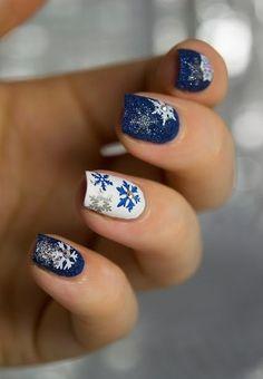 SNOWFLAKE NAIL TUTORIAL: White and Blue Nails