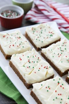 Holiday Sugar Cookie Bars Enjoy these yummy bars made with Pillsbury® refrigerated sugar cookies – a perfect addition to Christmas dessert.Enjoy these yummy bars made with Pillsbury® refrigerated sugar cookies – a perfect addition to Christmas dessert. Sugar Cookie Bars, Best Sugar Cookies, Yummy Cookies, Bar Cookies, Drop Cookies, Holiday Baking, Christmas Desserts, Christmas Baking, Christmas Recipes