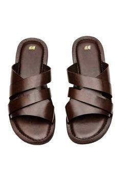 Кожаные сандалии - Темно-коричневый - Мужчины | H&M RU Black Sandals, Leather Sandals, Leather Slippers For Men, Stylish Sandals, Boy Shoes, Mens Fashion Shoes, Casual Shoes, Shoe Boots, Footwear