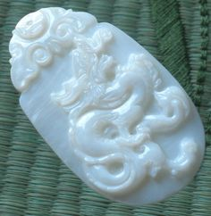 Natural White Pearl Shell Hand Carved Dragon Coin Clound Amulet Pendant GA06