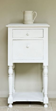 Old White (Chalk)  The colour of chalk and gesso, a cool soft white without pink or yellow in it. A colour which works with everything but for the quintessential French look use it over Paris Grey.  We also suggest adding it to the other colours to make them the exact tone for your room.