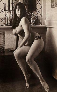 glamour nudes Retro