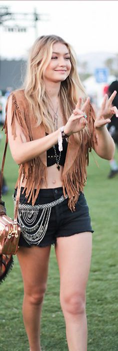 The Best Street Style From Coachella Day 2 Hippie Gypsy, Hippie Style, Bohemian Style, Boho Chic, My Style, Tribal Fashion, Bohemian Fashion, Style Fashion, Kids Fashion