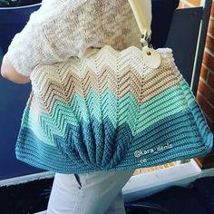 Crochet Tote, Crochet Handbags, Crochet Purses, Diy Drawstring Purse, Butterfly Bags, Striped Shoulder Bags, Black Crochet Dress, Knitted Bags, Crochet Clothes