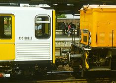 Drehscheibe Online Foren :: 04 - Historische Bahn :: Reichsbahn 1989, 12 ORWO-Meisterwerke... Metro Subway, U Bahn, Transportation, Berlin, Public, History, Vehicles, Historia, History Activities