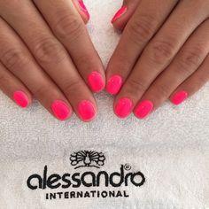 Striplac Neon Pink #striplac