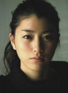 # M o d e l : Riko Narumi