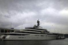 """Os oito iates mais caros do mundo – Eclipse Preço: US$ 485 milhões """"Eclipse"""", o segundo maior iate do mundo, com 162 metros de comprimento, pertence a Roman Abramovich, dono do Chelsea."""