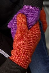 The World's Simplest Mittens pattern by tincanknits. Free knitting patterns