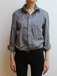gingham button up with black skinny jeans. i wish my shirts looked good tucked-in...